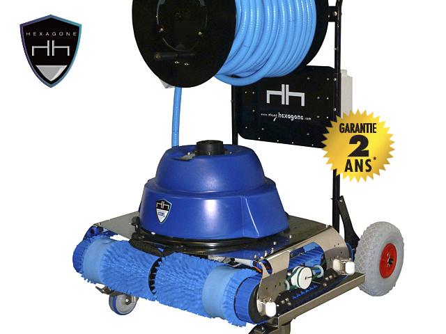Robot piscine chrono eco 730 avec radiocommande et chariot for Robot piscine moins cher