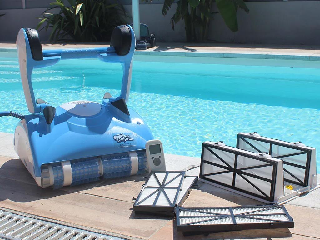 robot piscine dolphin nauty tc t l command avec chariot achat vente robot dolphin pas cher. Black Bedroom Furniture Sets. Home Design Ideas